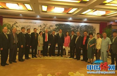 谭天星在北京会见司徒惠初率领的中国国民党驻澳洲总支部谒陵团一行22人