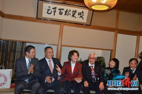 黄檗文化访日团在东京与侨界交流。 松友 摄