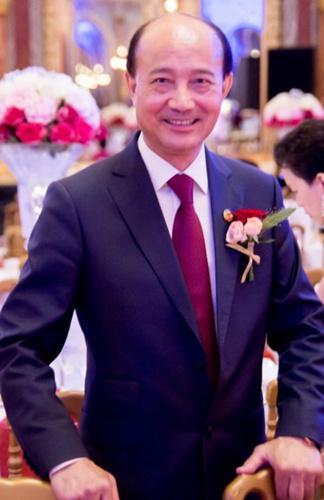 """欧洲青田同乡总会会长陈少奇认为,马克龙在新年致词中说""""和谐社会""""是最大心愿,这与习近平主席的目标一致。(被访者供图)"""
