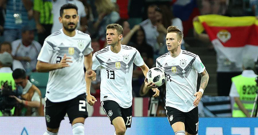 Germany claw back to beat Sweden 2-1 to stay alive at World Cup