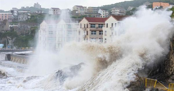 Typhoon Maria makes landfall in East China