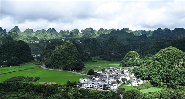 Scenery of karst hills in Wanfenglin scenic area