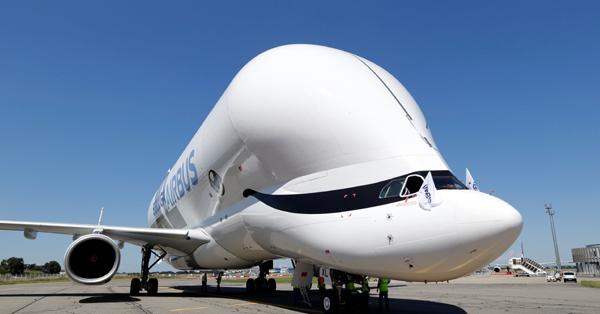 Airbus�� massive new cargo plane BelugaXL takes its maiden flight