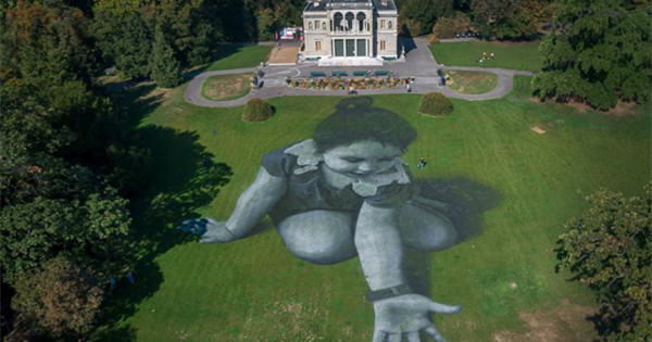 Landart painting, 5,000 sqm, delivers a message from future