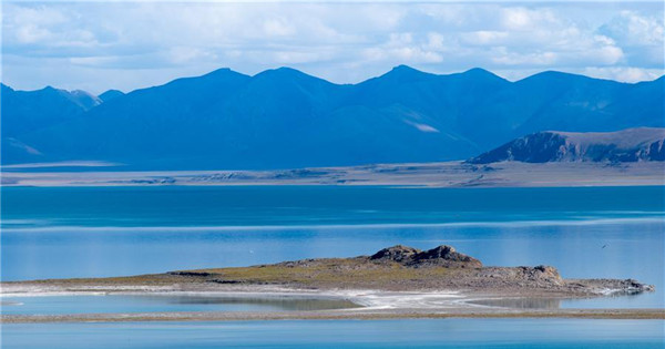 Scenery of Zhari Namco Lake in Ali, China's Tibet
