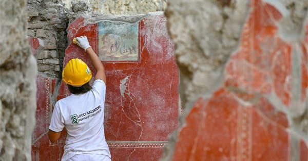 Frescos restoration underway in Pompeii