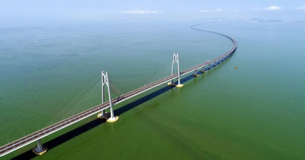 Opening ceremony of Hong Kong-Zhuhai-Macao Bridge marks new era of integration