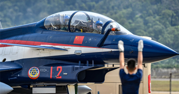 Chinese Air Force aerobatics team prepares for performance in Zhuhai