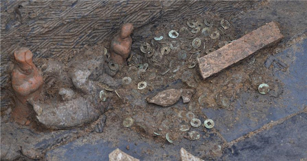 Tomb dated from Eastern Han Dynasty discovered in China's Sichuan