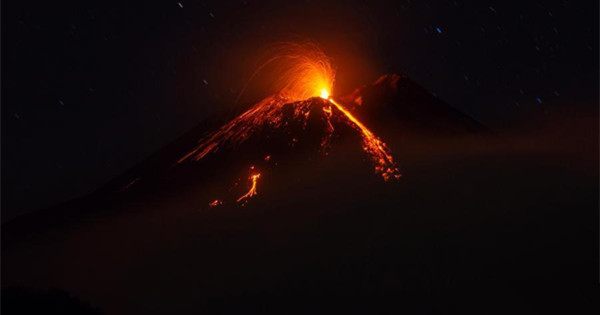 Photo shows new volcanic eruption from Mount Etna