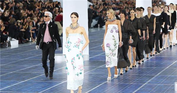 Haute-couture designer Karl Lagerfeld dies at 85