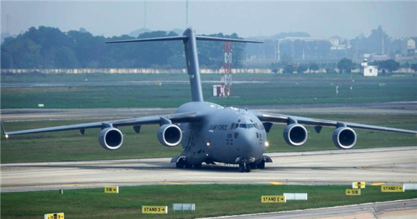 Transport aircraft lands in Hanoi