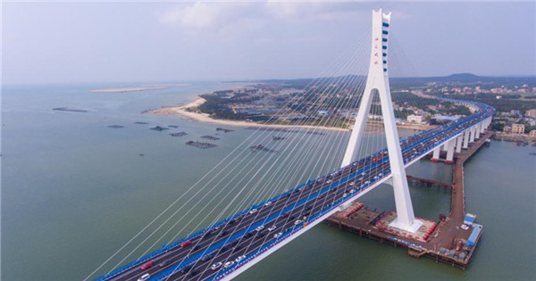 Cross-sea Haiwen Bridge officially starts operation in Hainan