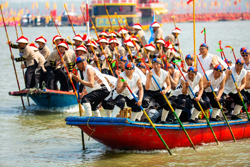 People celebrate centuries-old Qintong Boat Festival