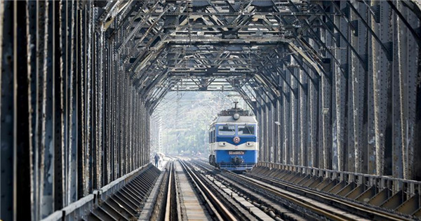 New railway bridge to start operation in Chongqing, SW China