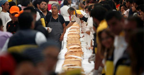 Mexico makes giant sandwich to kick off 'Torta Fair'