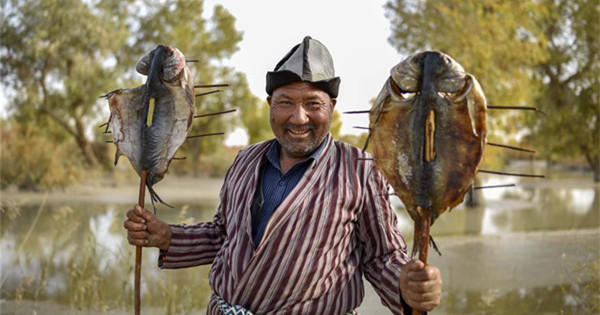 Tourism industry benefits locals in Lop Nur People Village, Xinjiang