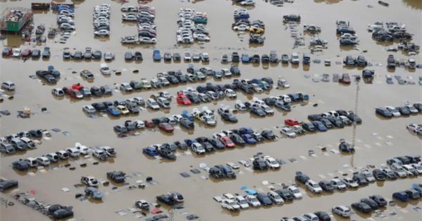 Torrential rains flood south-east Spain