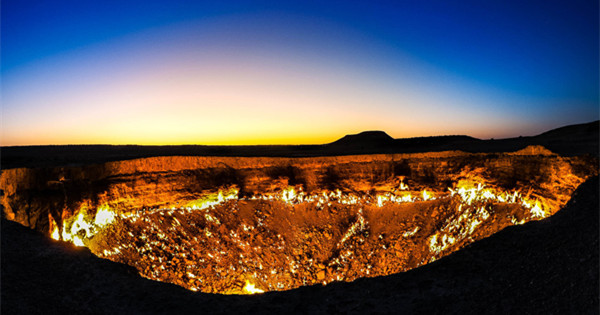 Travel to Darvaza gas crater-The 'gate to hell' in Turkmenistan