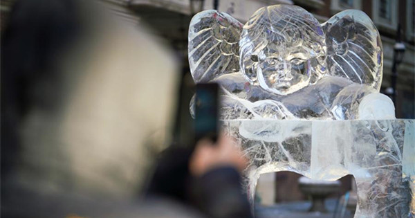 Ice sculptures installed as adornment on Central Street in Heilongjiang
