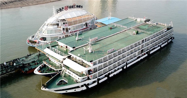 Cruise ships enlisted as 'hotels' for medics arrive at port