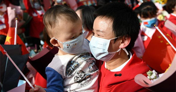 Medics supporting Hubei reunite with their families