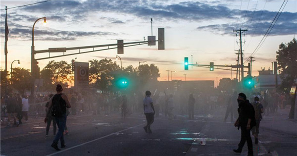 Protests over George Floyd's death turn violent in Minneapolis