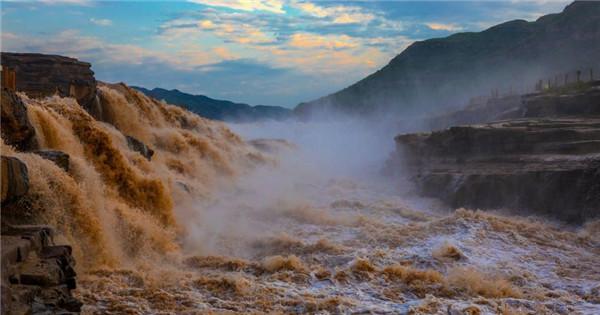 Yellow River's Hukou Waterfall returns to full force