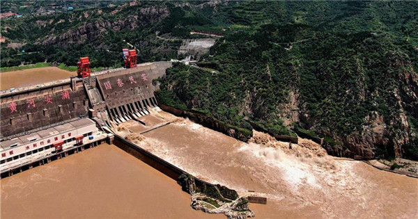 Sanmenxia Reservoir releases water to ensure enough flood storage capacity