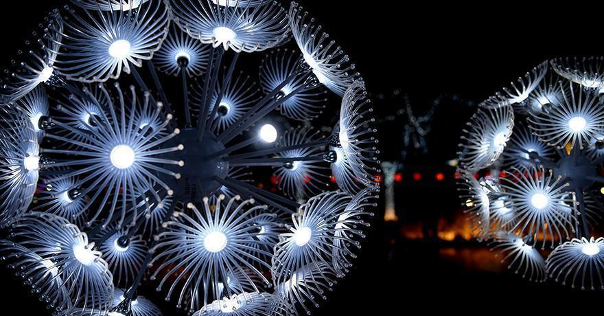 Winter Olympics-themed lantern show held in Zhangjiakou