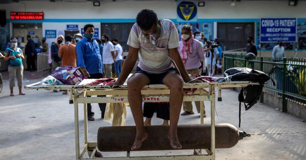 Indian hospitals overwhelmed by COVID-19 patients