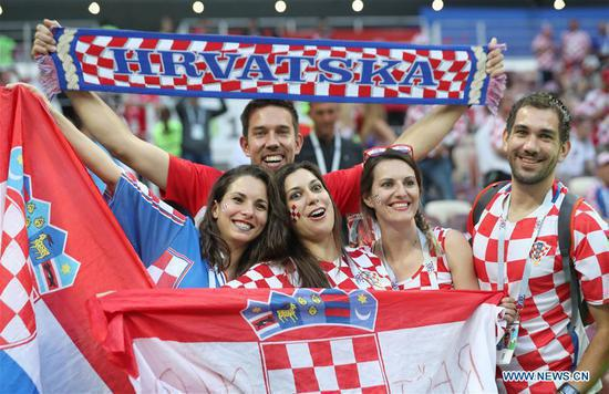Fans of Croatia cheer prior to the 2018 FIFA World Cup semi-final match between England and Croatia in Moscow, Russia, July 11, 2018. (Xinhua/Cao Can)