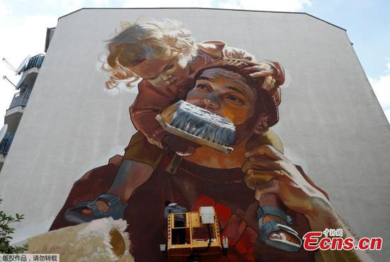 Walls come alive with Berlin's mural festival