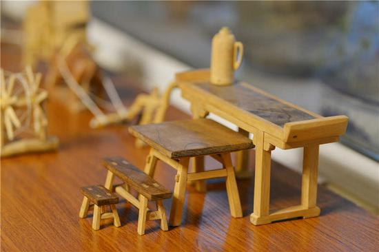 Retiree creates miniature wooden items