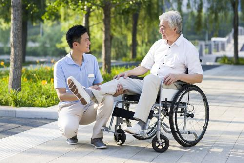 Chinese elderly enjoy smart care products