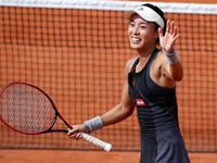Defending champion Ostapenko falters, Wang goes through first round at Roland Garros
