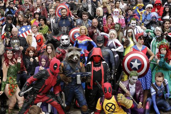 London comic con attracts lots of fans