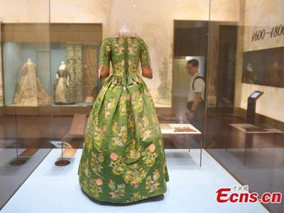 300-year-old Western dress on show in Hangzhou