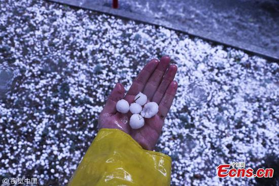 Heavy hail hits Ankara