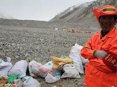Environment cleanup underway under Mt Qomolangma