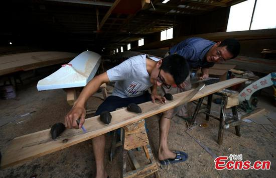 Village known for handmade dragon boats for 700 years