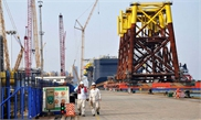 China builds world's largest oil-processing sea platform