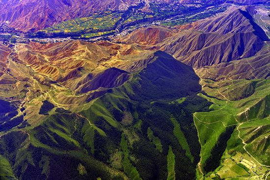 Aerial photos display captivating scenery of Qinghai Province