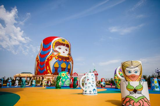 World's biggest matryoshka doll shines in Manchuria