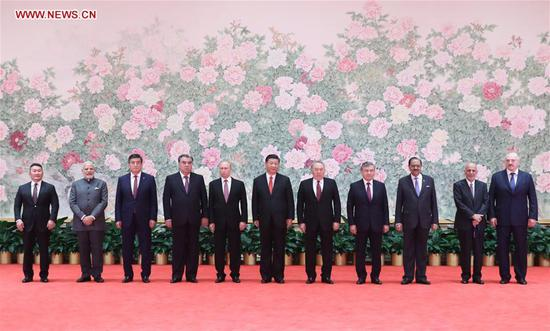 President Xi hosts welcoming dinner for SCO guests