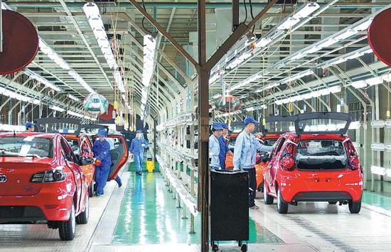 Carmakers face big challenges down the road: experts