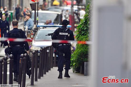 Man arrested after hostage incident in Paris