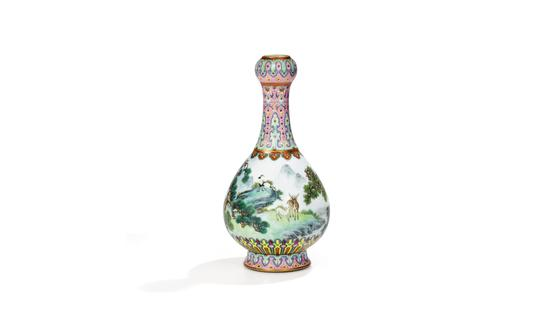 Chinese vase found in a shoebox in attic sells for 16.2 mln euros