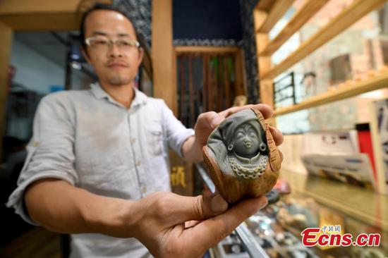 Jade carving shows Zhuang culture