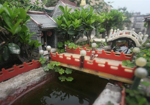 Retiree makes 200 miniature creations with chopsticks